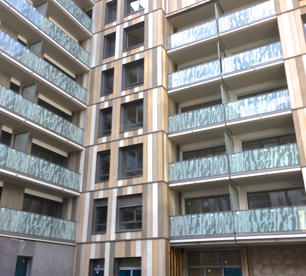 Réalisation Encadrement de fenêtres et couvertines d'acrotères sur bardage bois : image 3