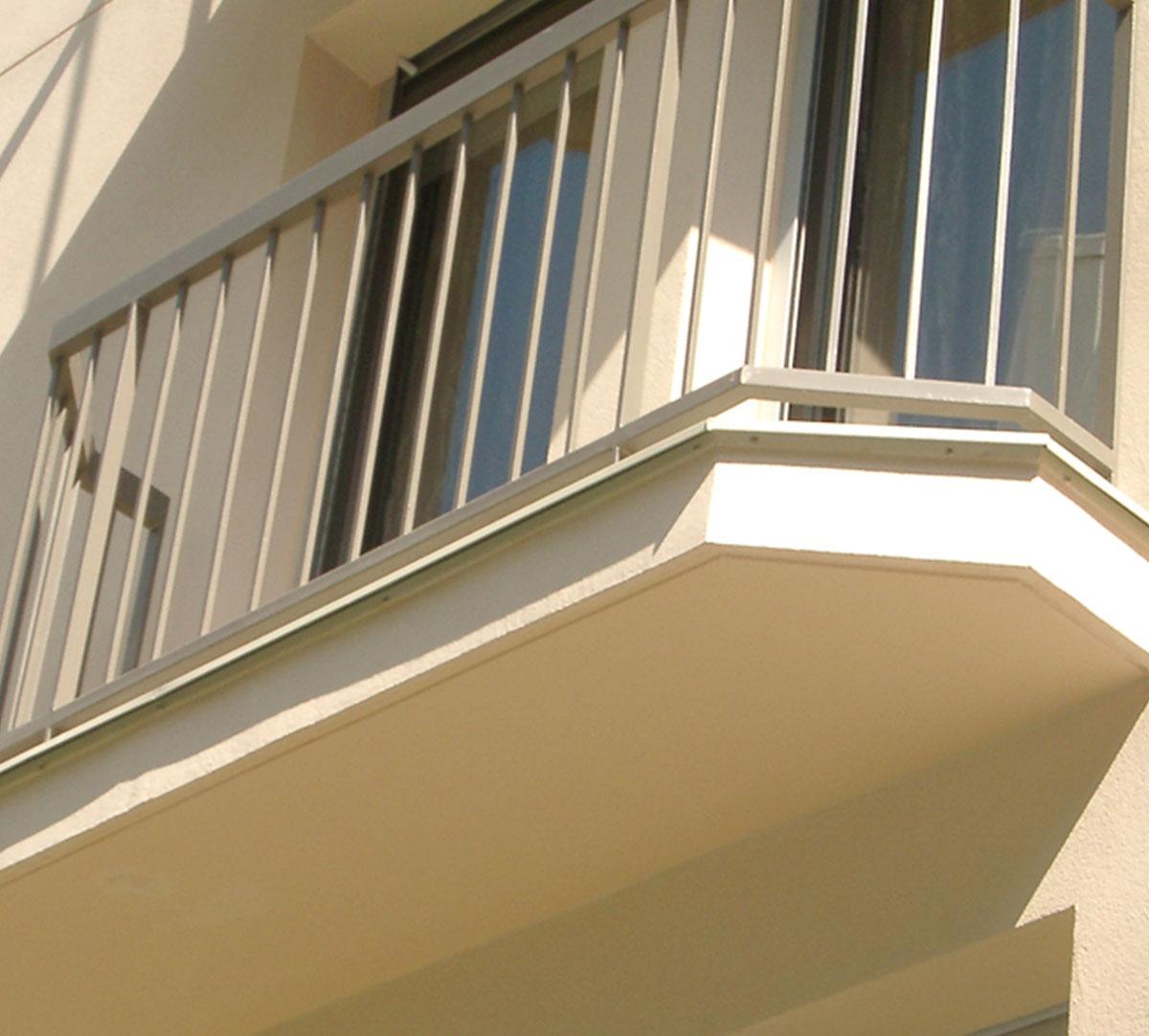 Réalisation Profilé goutte d'eau sur rive de balcon : image 1